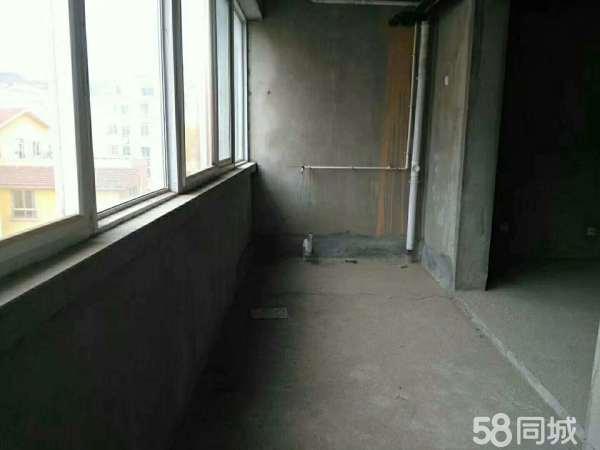 江南小区三室南北通透现房5楼采光好需全款
