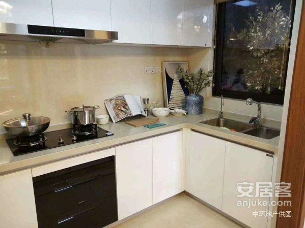 九龙湖万达茂旁(汀兰湖)首付两成14万起买三房住宅房