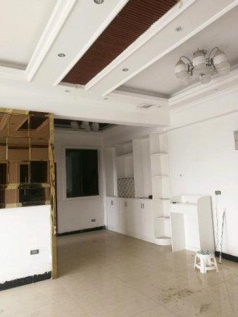 北顺城济川门面积115.24平米精装修户型方正双证齐全