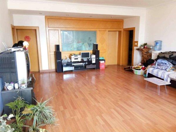 南顺城小区精装4居室带30平米大露台户型格局协调可贷款