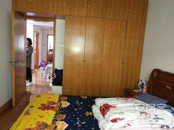 育才家园 3室2厅1卫 精装修