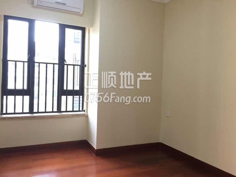 金湾红旗高端住宅成熟小区,精装修3房,业主诚心出售