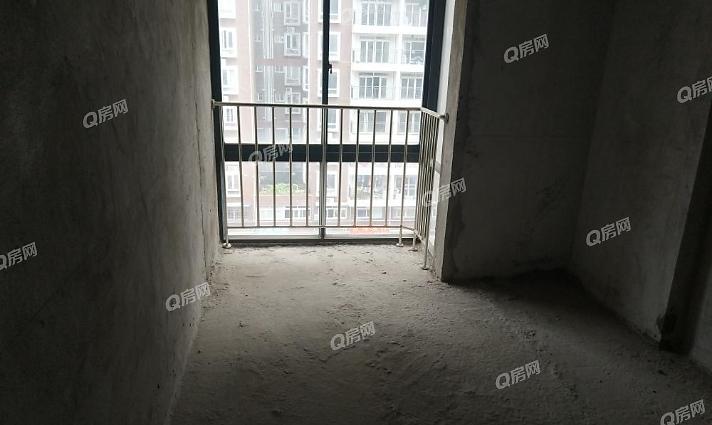 秋谷阳光里 3室2厅2卫 精装修