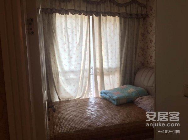 滨江国际豪华装修3室2厅仅需76.8万总价直降5万