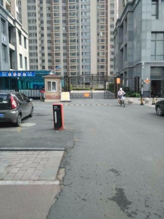 福寿街实验学校旁两室豪装出税带电梯仅售88平
