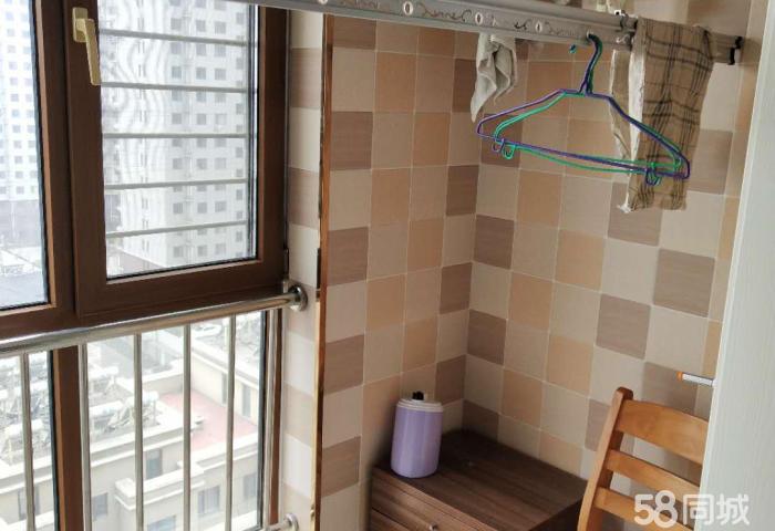 出售巴黎香颂 2室2厅 电梯房装修南北通透附近六小妇幼等位置好交通便利