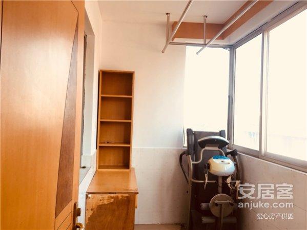 海天公寓:有钥匙,H户型三室两厅两卫78万送附房