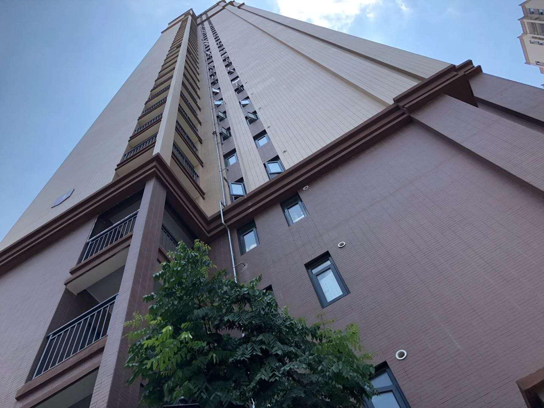 阳光在线二期 电梯小高层 居家精装带暖气 三房