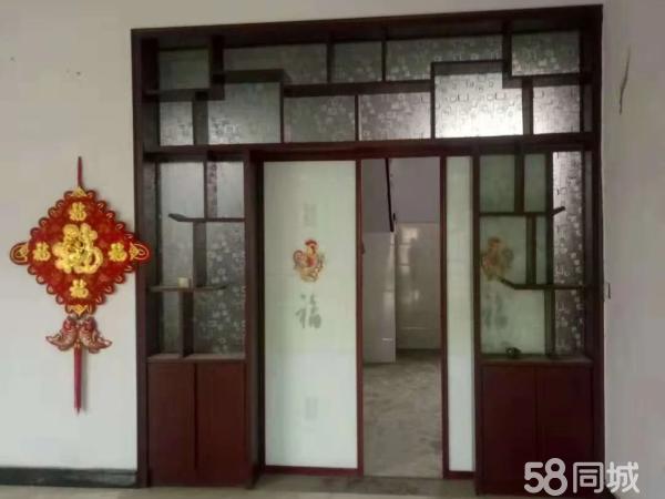 前金坡独院三间三层带平台房子很新