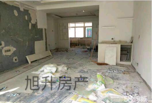 龙馨佳苑 142平 64.8万 3室2卫 客卧朝阳证齐可贷款