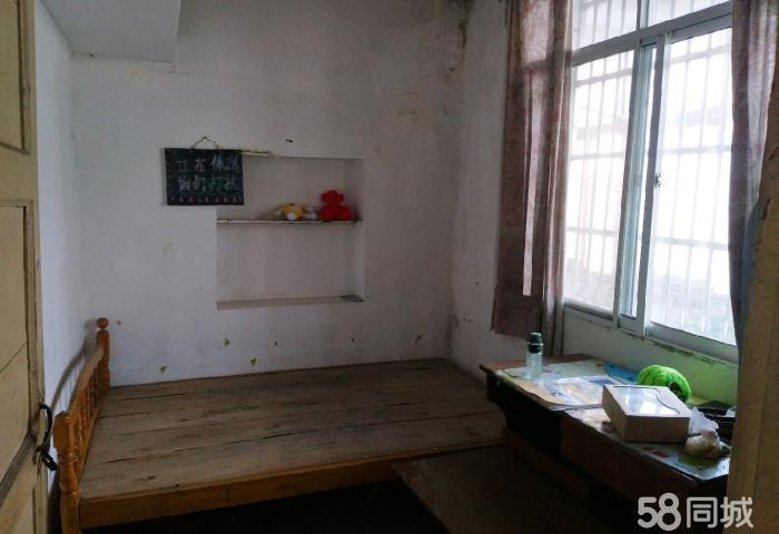 五七棉纺厂和粮食局 2室2厅1卫 简装修
