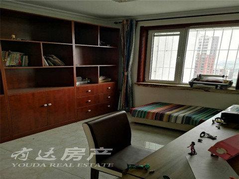 兴泰里商品大三居室单价8888元非回迁精装修送家具家电