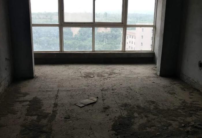 嵩基鸿润城23楼一室一卫一厨46平24万毛坯
