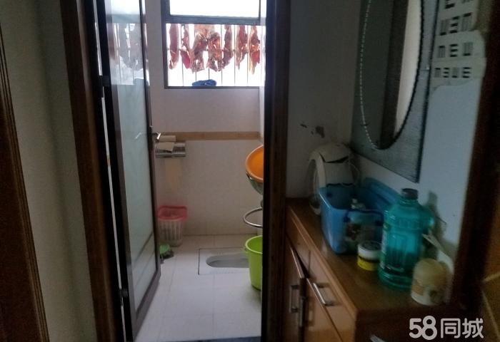 劳动局旁双江小学学区房 3室2厅2卫 中装修