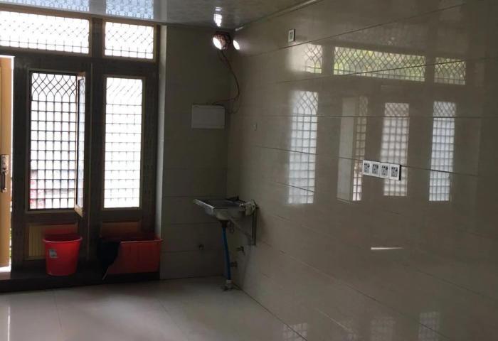 润居和园简单装修1室1厅1卫 有钥匙在门市
