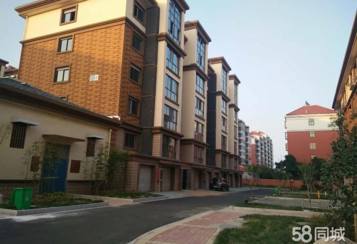 华泰豪庭 多层 单身公寓42平中装 送6平车库 33万出售