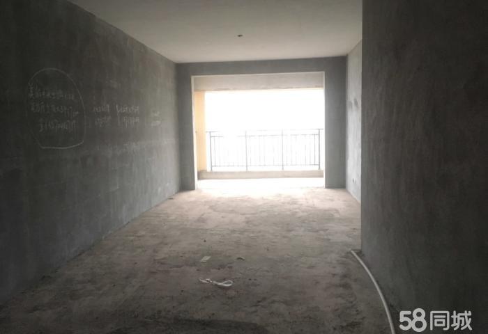 景秀家园现房,三房送一房,加起来150多平米,手续全包
