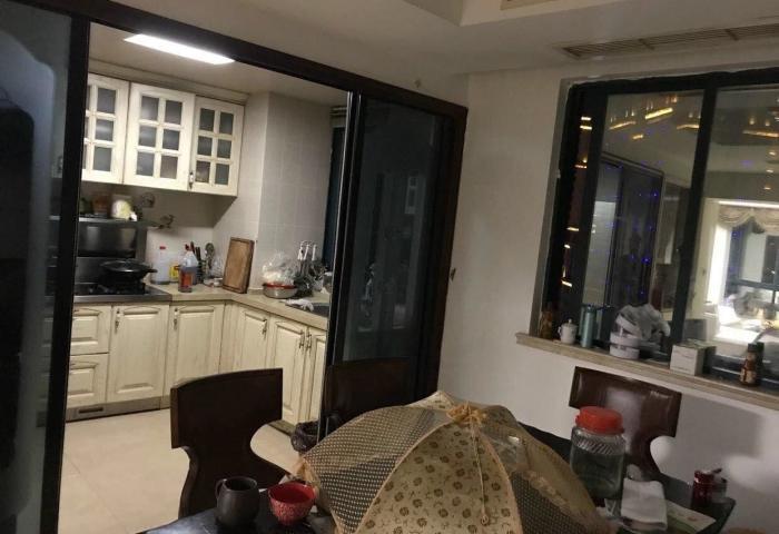 柳市国际公寓跃层式286平方5室4卫2厅