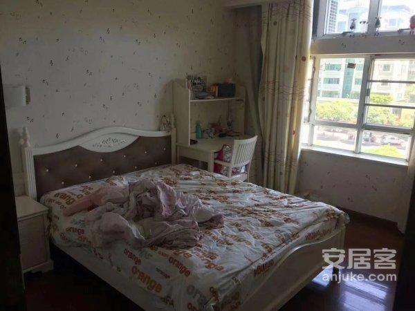 汕头第一城4房2厅装修新新几乎没住过格局非常雅收尽