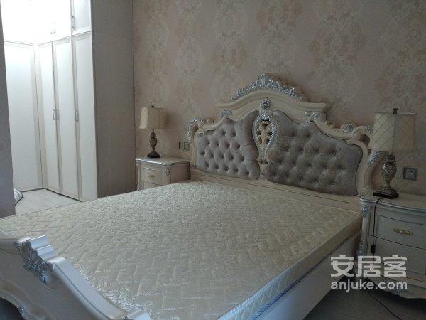 急售经开区三江国际丽城自住豪装三室带大衣帽间证满两年!