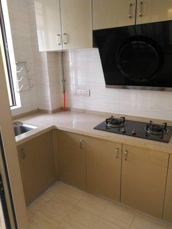 江山里135平米,豪华装修大三房,带家电家具,仅售170万!