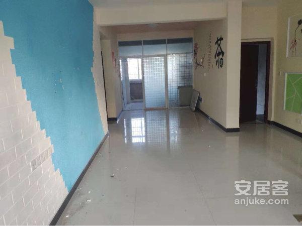 杨梅渡公园旁精装大三房仅需92万