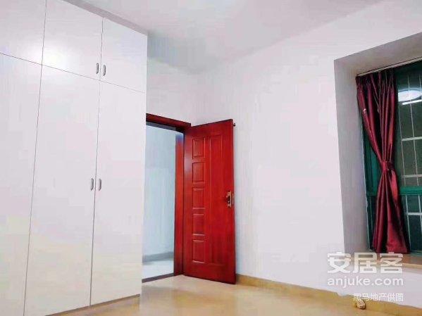 开发区,锦绣星城138平米豪华装修,3房售价118万