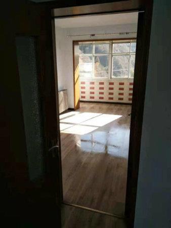 售乾阳小区两室两厅一卫南北通透全天采光送阁楼86平仅售93万