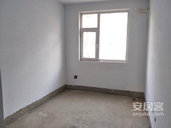 西城诚品世家3楼113平米3居毛坯阳厅阳卧115万