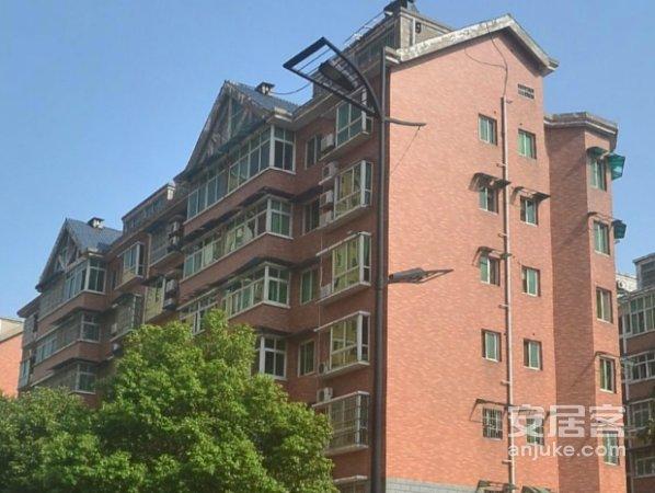 炎帝广场附近 全新装修楼梯小复式 熹悦花都 去年的婚房 来搞