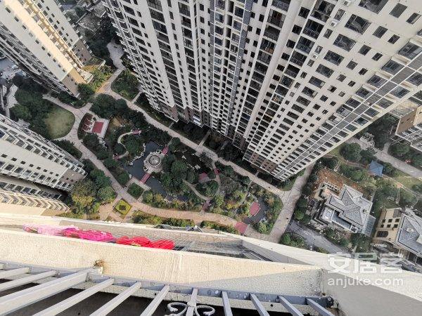 炎帝广场精装三房拎包入住带车位价格可谈满两年急卖