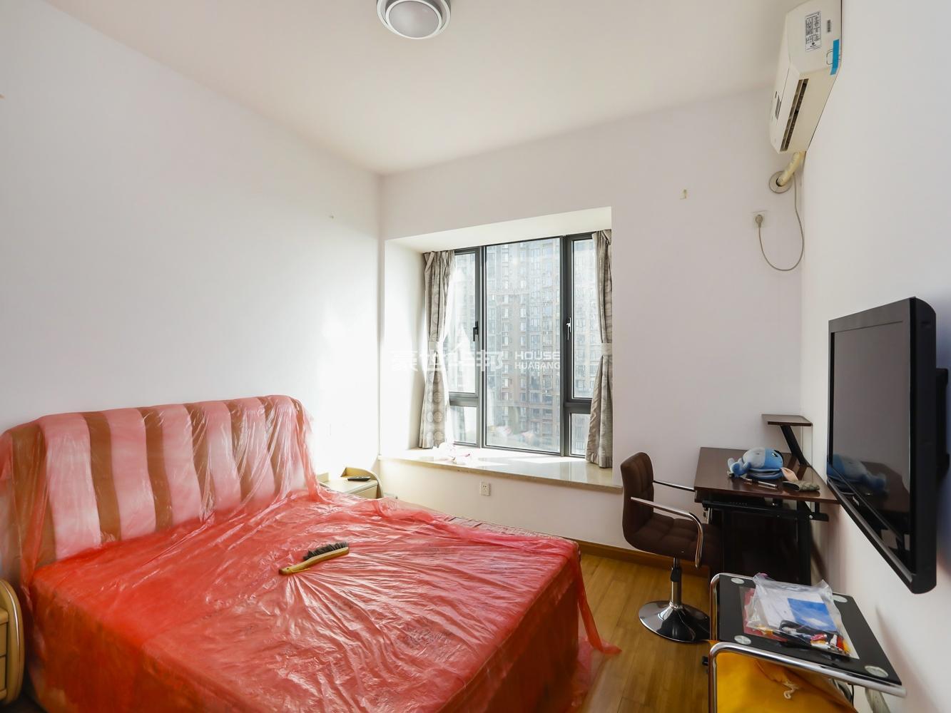 钱塘山水  三室两厅 89平方 中间套  诚心出售