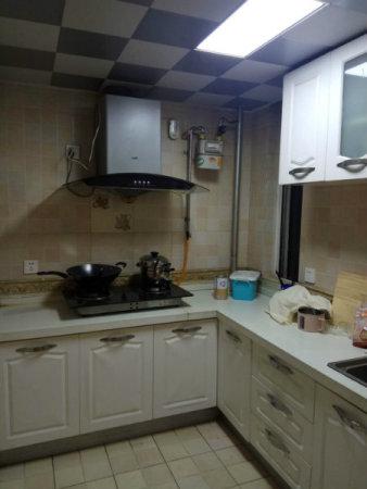 长江中路康景颐府精装两室电梯洋房中间楼层送家具家电
