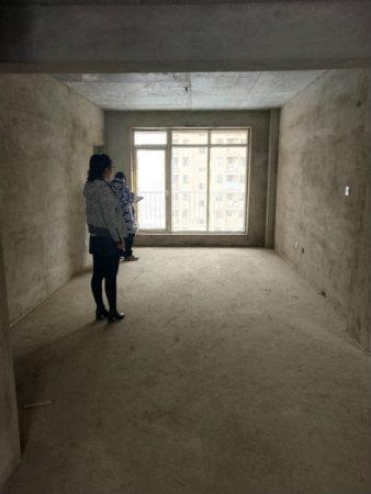 滨江一号独栋别墅区,一线江景,1000平院落,地上地下共4层