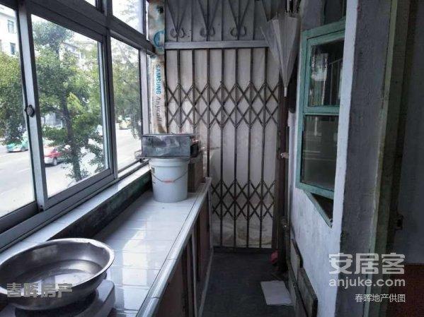 私产福春步梯二楼简单装修