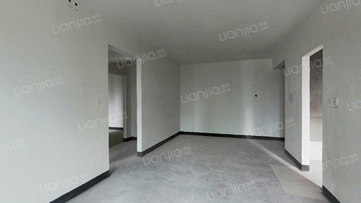 公园大道上东汇菁澜三组团 2室2厅 130万