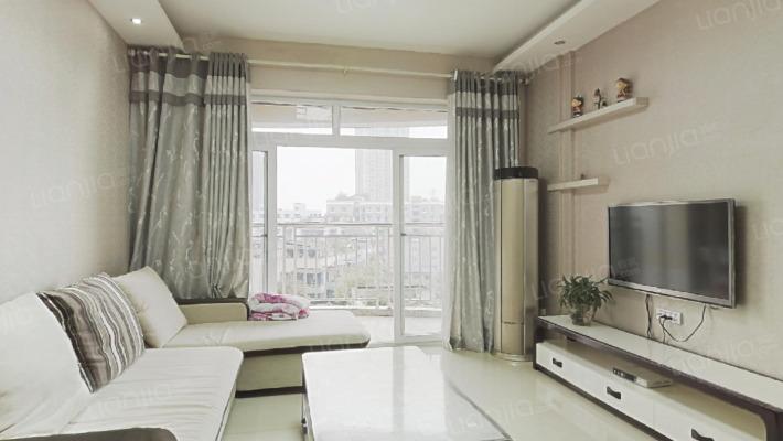 巴国城后门精装一室一厅可改两房