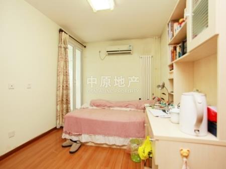 玉渊潭公园、颐源居低层两居室、新居家重装、出行方便采光好二手房
