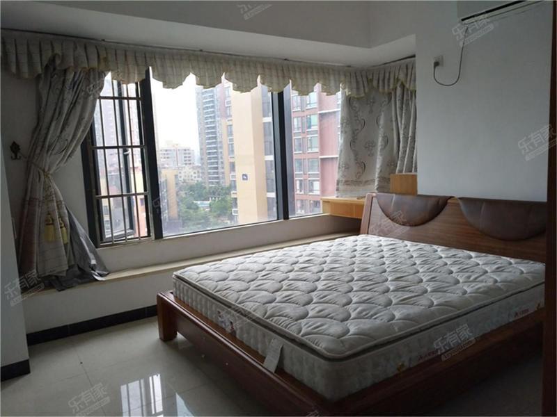 金地格林精装2房,业主诚心出售,看房方便二手房