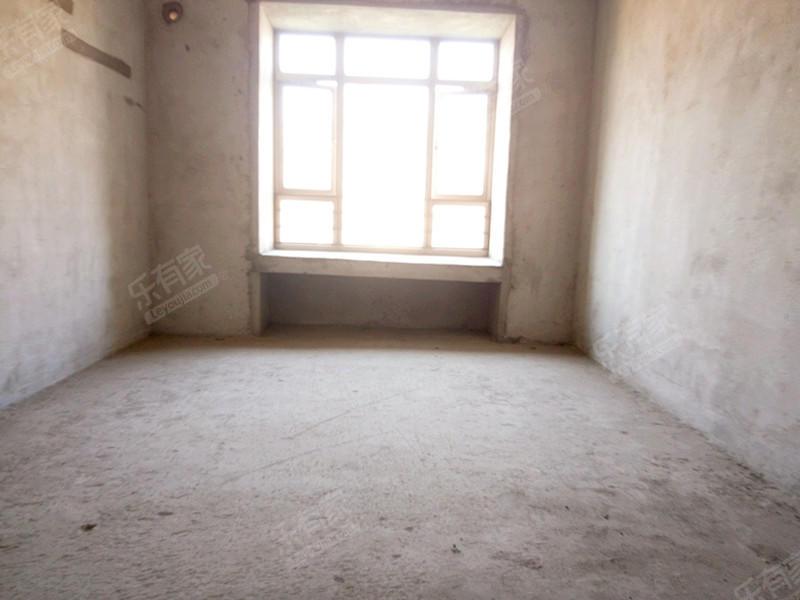 东骏豪苑二期,中间楼层三房出售!二手房