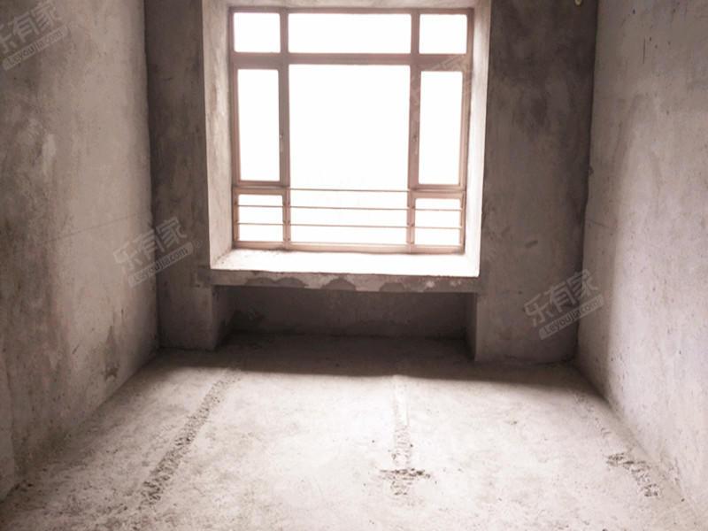 东骏豪园,毛坯四房,可按自己喜欢风格装修二手房