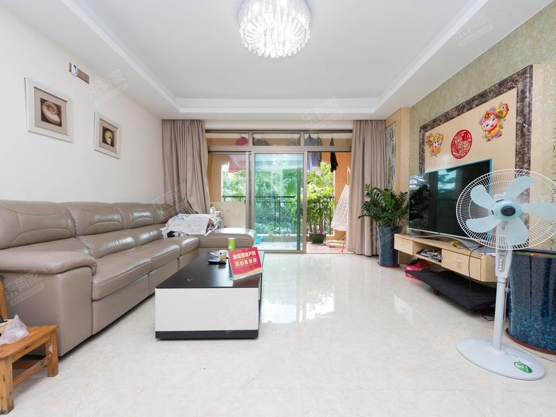 东骏豪苑三期朝向西南豪装三房,业主诚心出售。二手房
