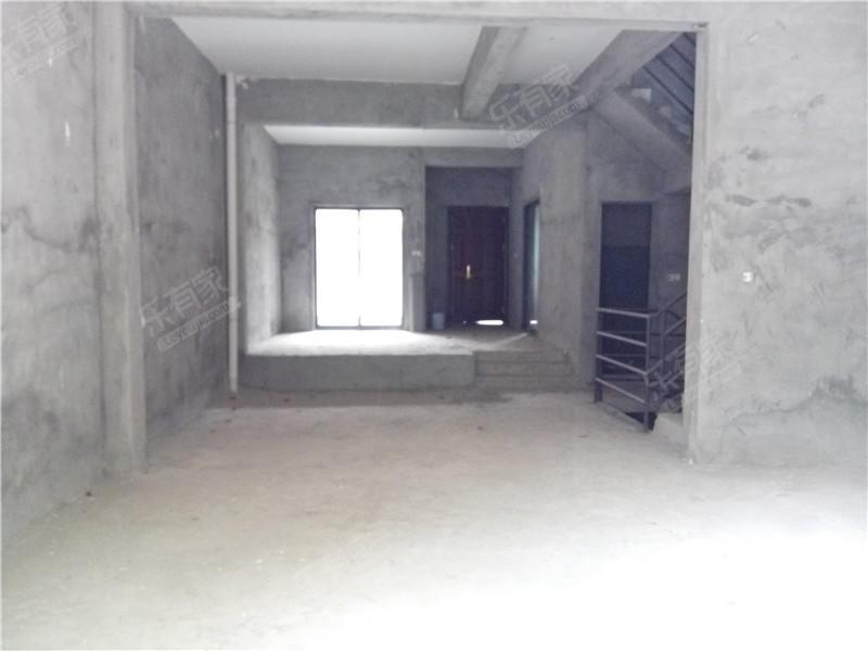 鼎峰尚境一期别墅,毛坯5房,视野非常广阔二手房