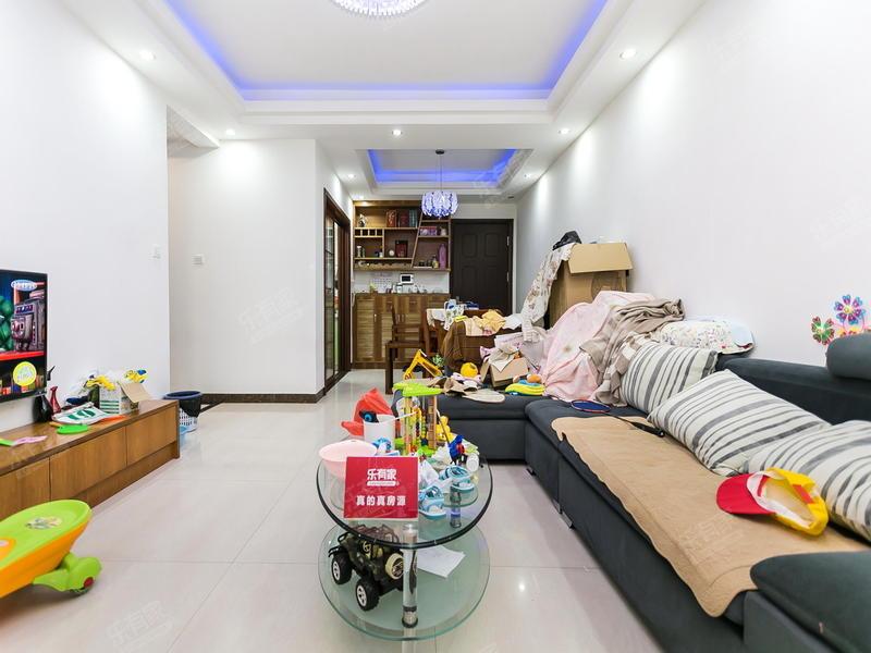 丰泰东海城堡三室两厅精装低楼层二手房