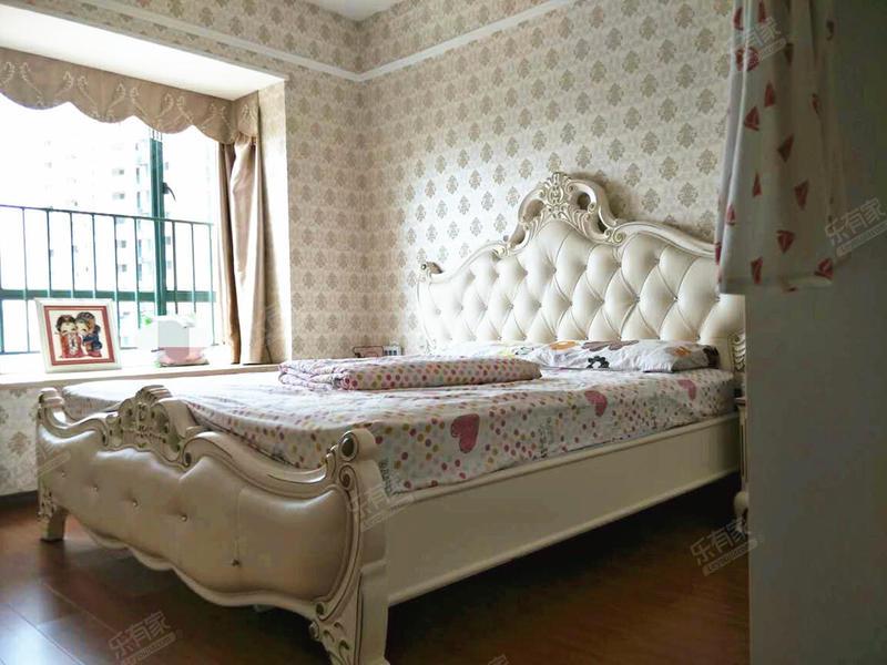 丰泰东海城堡,业主自己居家装修,诚心出售!二手房