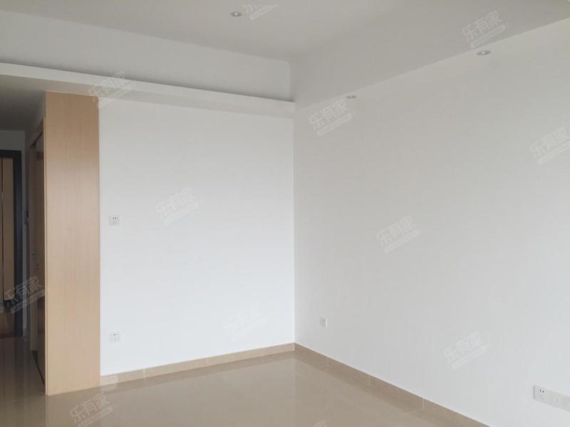 万江华南国际采购中心商业写字楼 1卫 精装修  二手房
