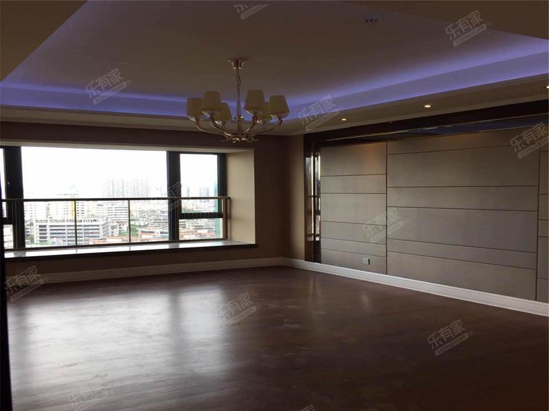 恒大华府,精装四房两厅双阳台。,不错过二手房