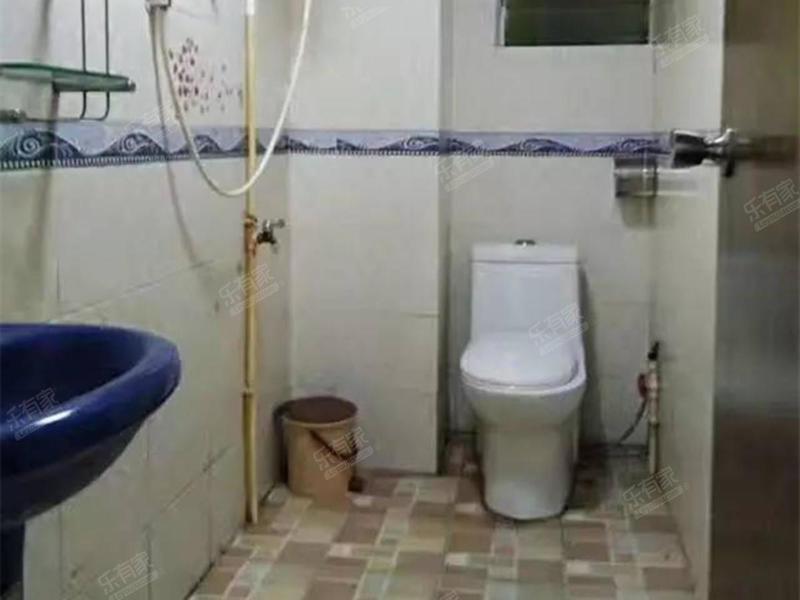 豪岗新村 3室2厅2卫 精装修  二手房