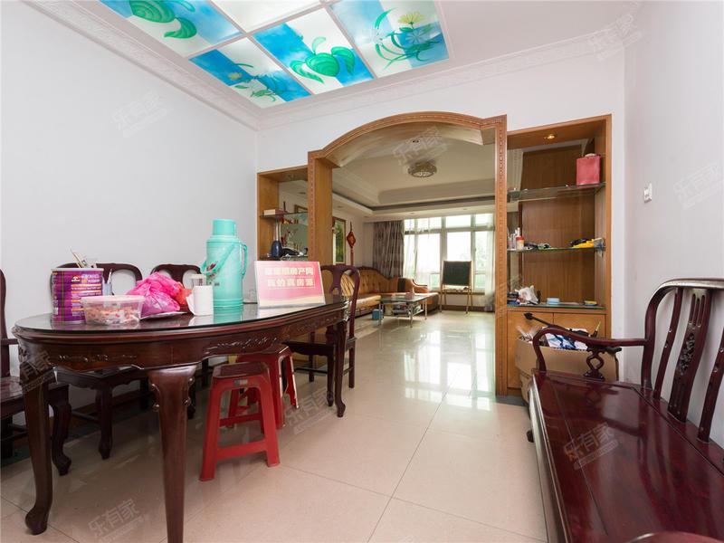庆峰花园一期,精装修,满5年,税费少,业主急卖二手房