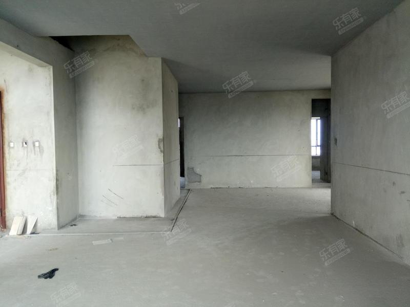 星城毛坯大四房业主诚心出售二手房